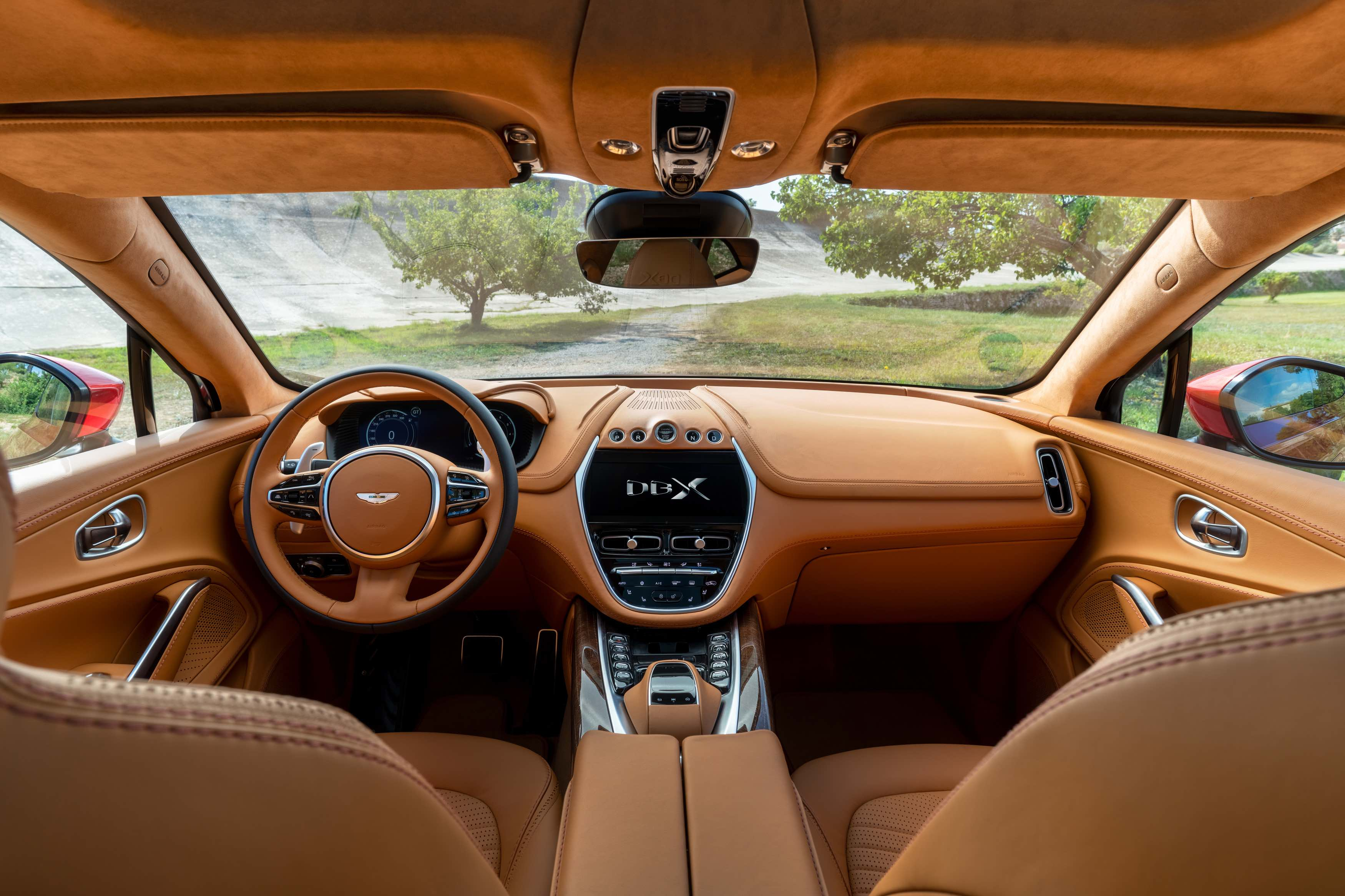 AstonMartin_DBX_Interior-copy